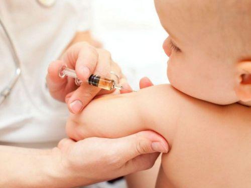 Прививка у ребенка